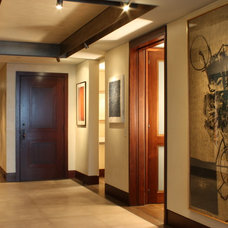 Contemporary Entry by Wascha Studios