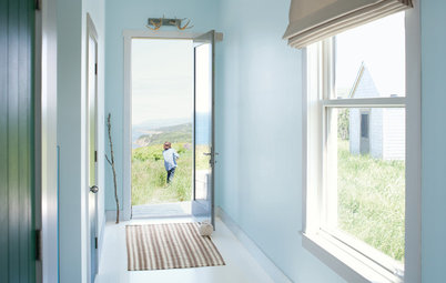Benjamin Moore Floats Breath of Fresh Air as Its Color of 2014