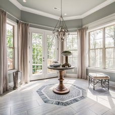 Transitional Entry by Eric Ross Interiors, LLC