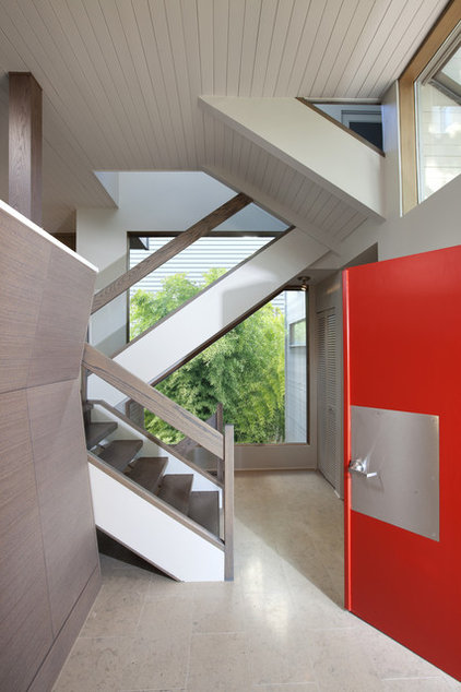 Contemporary Entry by Best Builders ltd