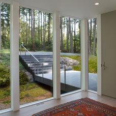 Modern Entry by Studio Sarah Willmer