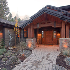 Traditional Entry by Norman Building & Design
