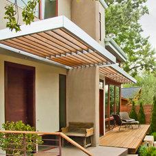 Modern Entry by BARRETT STUDIO architects