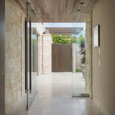 Contemporary Entry by GRAHAM architecture