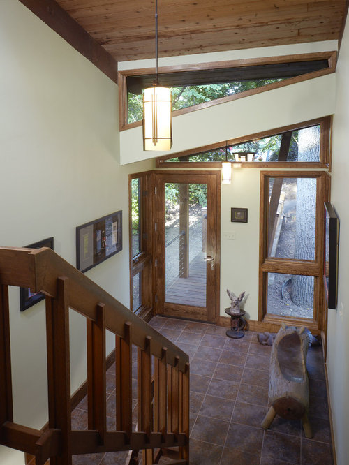 Split foyer ideas pictures remodel and decor for Bi level foyer ideas