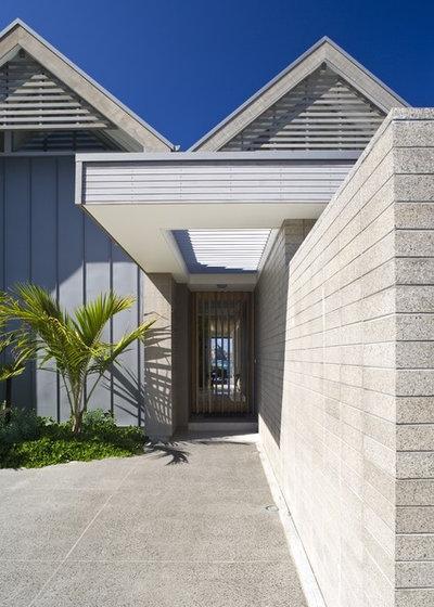 Contemporary Entry by Jessop  architects Ltd