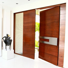Contemporary Entry by Borano