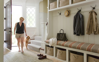 Do These 7 Things to Get an Organized Entryway