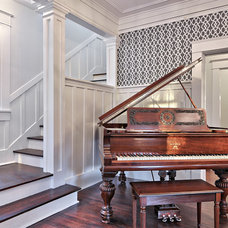 Traditional Entry by Avenue B Development