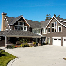 Traditional Entry by Dan Nelson, Designs Northwest Architects