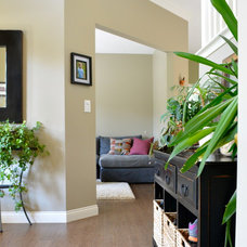 Transitional Entry by Susan Yeley Interiors