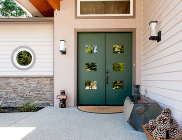 Bright Colors Breathe Style into Transitional (Custom Home)