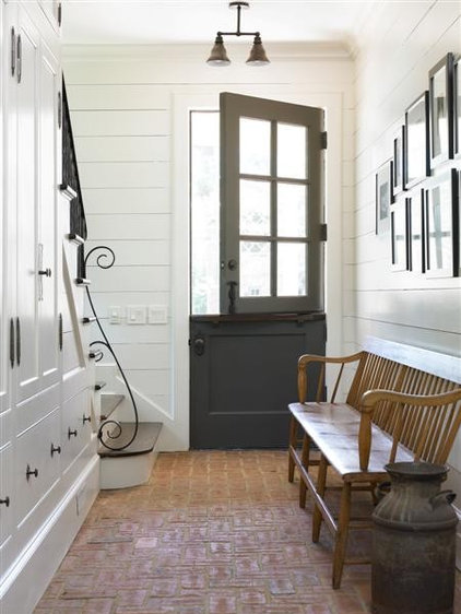 Traditional Entry by Bradley E Heppner Architecture, LLC