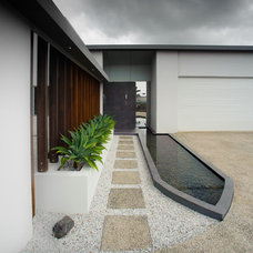 Contemporary Entry by Tomas O'Malley Architect