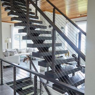 Свежая идея для дизайна: фойе среднего размера в стиле модернизм с белыми стенами, полом из керамической плитки, двустворчатой входной дверью, стеклянной входной дверью, серым полом и деревянным потолком - отличное фото интерьера