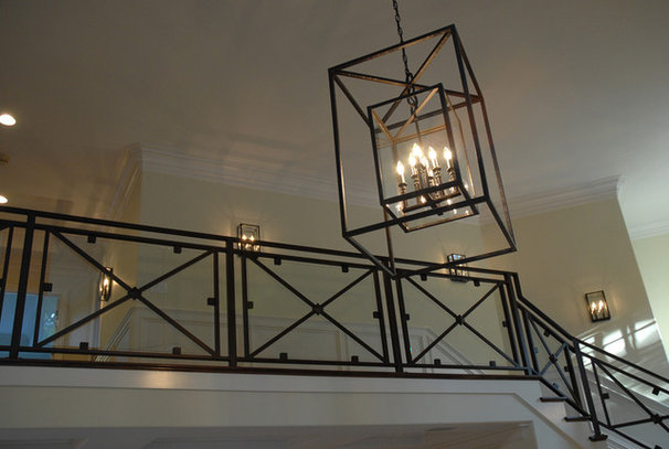 Traditional Entry by Lisa Joyce Design