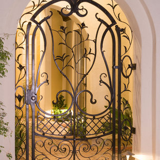 Design ideas for an eclectic entrance in Phoenix.