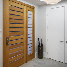 Contemporary Entry by Natural Balance Home Builders