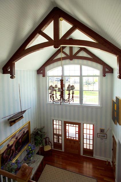 Traditional Entry by Hugh Lofting Timber Framing, Inc.
