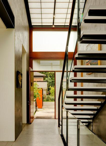 Modern Entry by Balance Associates Architects