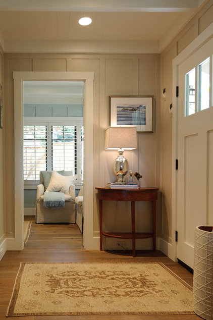 Beach Style Entry by Regan Baker Design