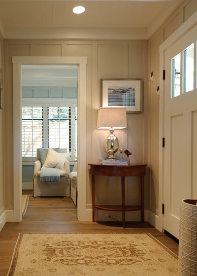 Beach Style Entry by Regan Baker Design Inc.