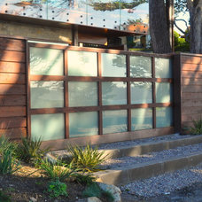 Modern Entry by Huettl Landscape Architecture