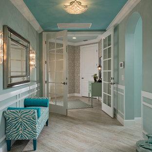 マイアミのトランジショナルスタイルのおしゃれな玄関の写真