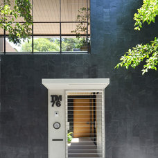 Contemporary Entry by PAUL CREMOUX studio