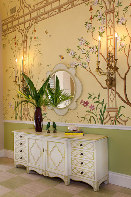 Tropical Entry by JMA INTERIOR DECORATION