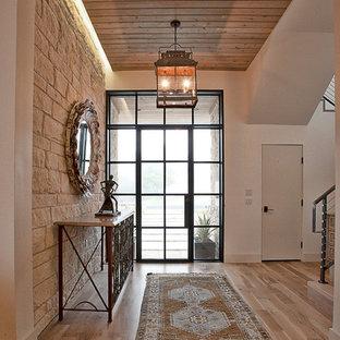 Idéer för en klassisk entré, med glasdörr