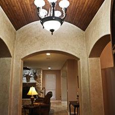 Traditional Entry by Meier Custom Built Homes, LLC