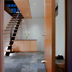 modern entry by Eggleston Farkas Architects
