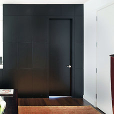 Modern Entry by kimberly peck architect
