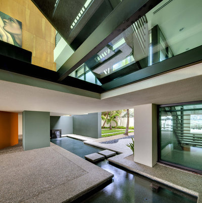 Contemporary Entry by DWY Landscape Architects