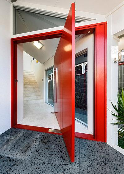 Contemporary Entrance by Cambuild