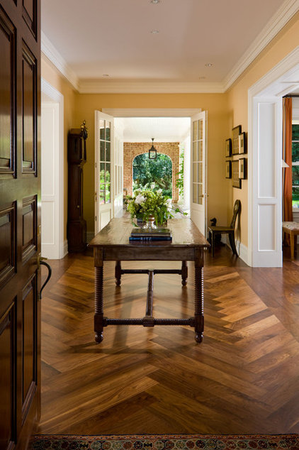 Traditional Entry by Neumann Lewis Buchanan Architects