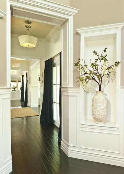 Traditional Entry by Alexandra Rae Design