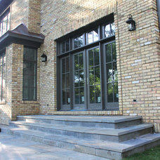 Traditional Entry by Colonial Brick