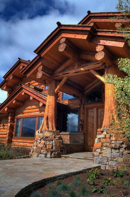 Rustic Entry by B&B Builders