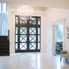 Contemporary Entry by Lyla Veinot Designs