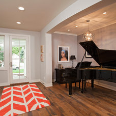 Contemporary Entry by REFINED LLC