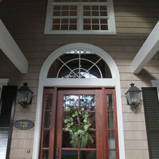 Traditional Entry by Clausen Residential