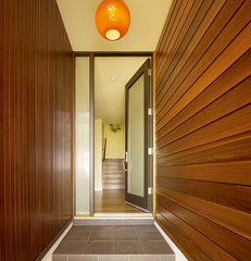 modern entry by John Maniscalco Architecture