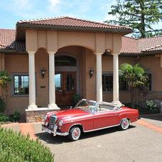 Mediterranean Entry by Farnsworth Full Service Home Design