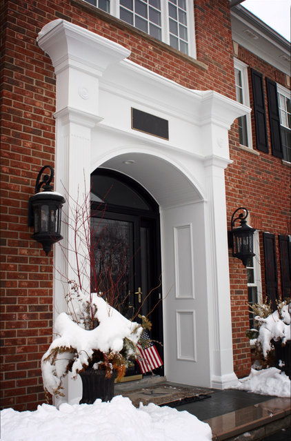 Traditional Entry by gordon architecture, inc.