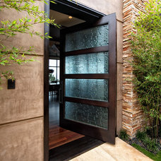 Contemporary Entry by Bramco Builders, Inc.
