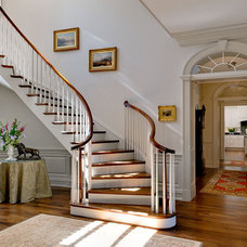 Traditional Entry by Crisp Architects