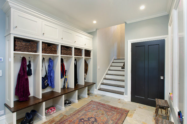 Contemporary Entry by 2 Design Group