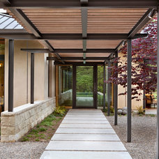Contemporary Entry by Arcanum Architecture